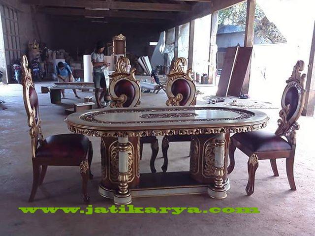 set-meja-makan-gendong