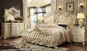 Set Tempat Tidur Mewah Ukir Royal Jepara Terbaru