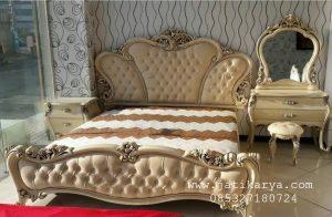 Set Tempat Tidur Jati Ukiran Mewah  Gold Leaf